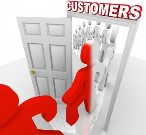 در نرم افزار crm مشتری به چه کسی اطلاق میشود؟